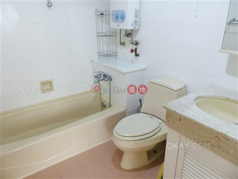 HK$ 43,000/ month, Greenery Garden, Western District | Gorgeous 3 bedroom on high floor with balcony & parking | Rental