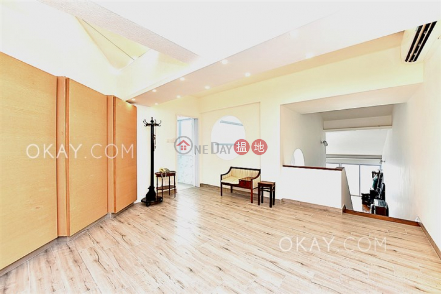 Beautiful house with balcony & parking | For Sale | 37 Tung Tau Wan Road 東頭灣道37號 Sales Listings