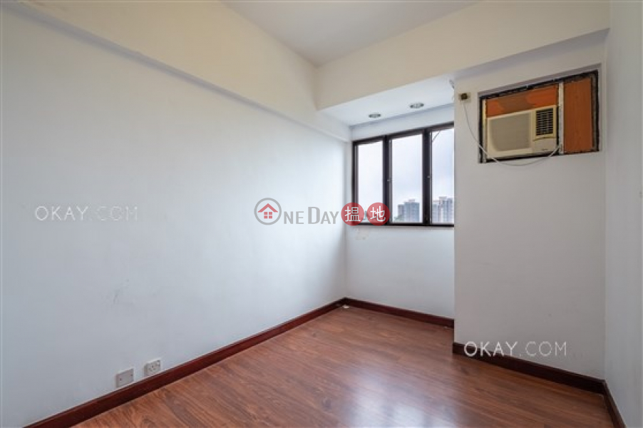HK$ 48,000/ month Wisdom Court Block B | Western District, Nicely kept 3 bedroom in Mid-levels West | Rental