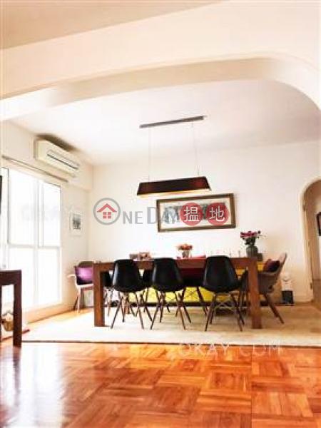 HK$ 85,000/ 月蔚山花園中區4房2廁,實用率高,連車位,露台蔚山花園出租單位
