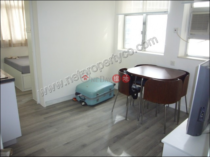 One good size bedroom unit for Rent in Wan Chai | Kwong Tak Building 廣德大樓 Rental Listings