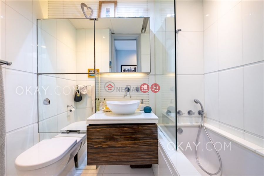 HK$ 18.3M | Discovery Bay, Phase 14 Amalfi, Amalfi One Lantau Island | Gorgeous 4 bedroom with balcony | For Sale