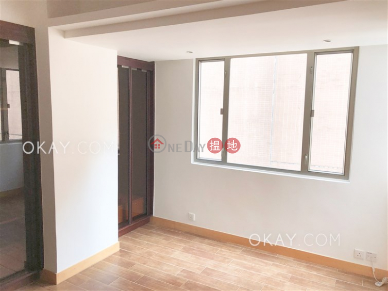 HK$ 40,000/ month, Village Tower, Wan Chai District, Popular 3 bedroom with balcony | Rental