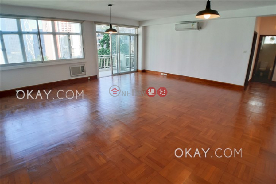 Stylish 3 bedroom with balcony & parking | Rental | Robinson Garden Apartments 羅便臣花園大廈 Rental Listings