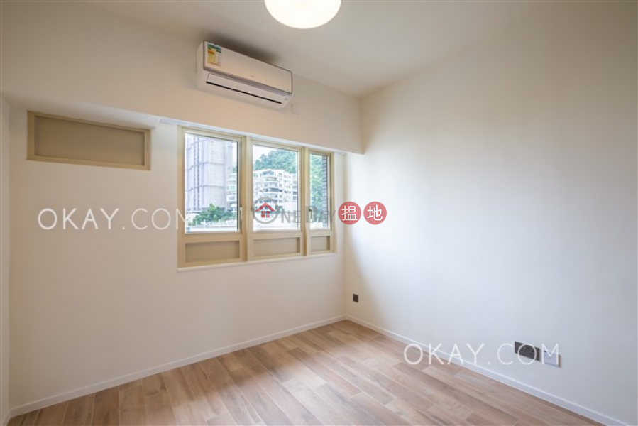 Exquisite 3 bedroom with balcony | Rental 74-76 MacDonnell Road | Central District, Hong Kong Rental HK$ 90,000/ month