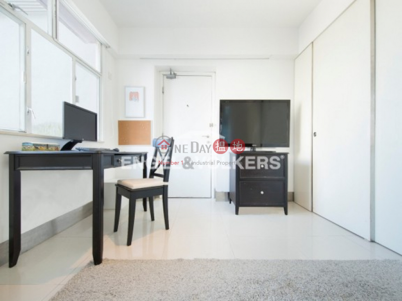 Renovated Apartment with Roof Top, Ryan Mansion 樂欣大廈 Sales Listings | Central District (Ev11785)