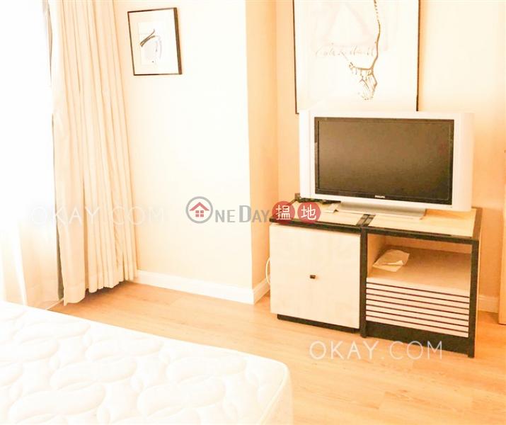 Generous 1 bedroom on high floor | Rental | Convention Plaza Apartments 會展中心會景閣 Rental Listings