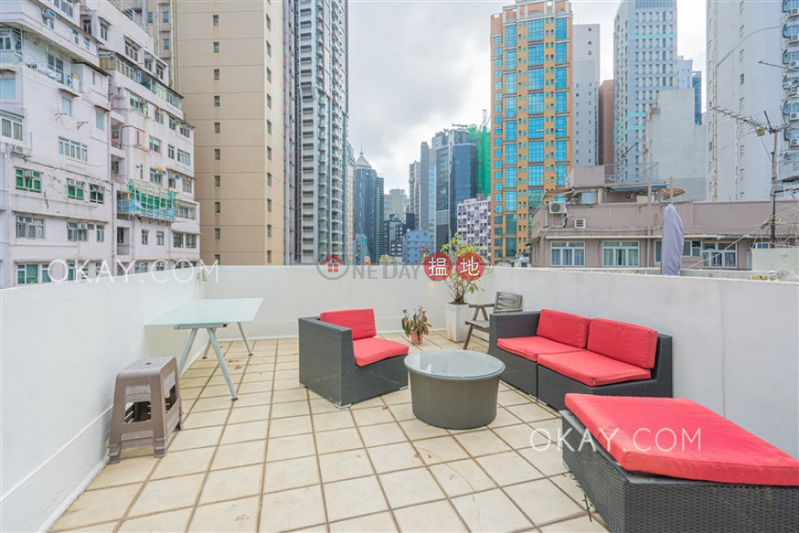 HK$ 11.5M 17-19 Aberdeen Street, Central District, Lovely high floor with rooftop | For Sale