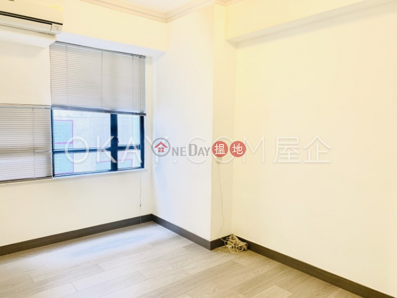 HK$ 13M, Cameo Court, Central District, Lovely 2 bedroom in Mid-levels West   For Sale