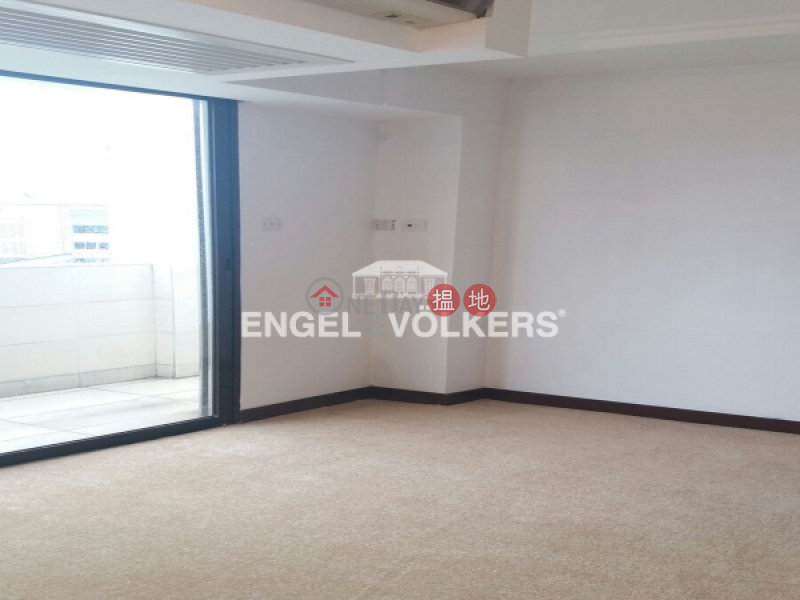 3 Bedroom Family Flat for Sale in Ho Man Tin | Wing On Court 永安台 Sales Listings