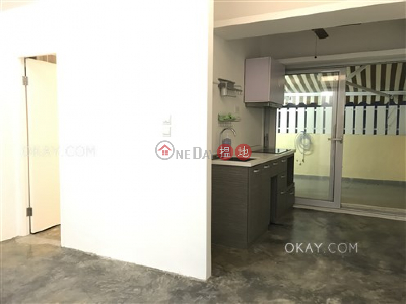 Intimate 2 bedroom with terrace | For Sale | Ming Hing Building 明興大樓 Sales Listings