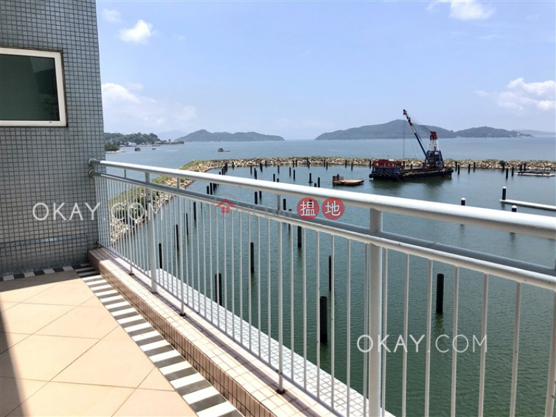 HK$ 24M   Discovery Bay, Phase 4 Peninsula Vl Coastline, 28 Discovery Road Lantau Island   Efficient 5 bed on high floor with sea views & rooftop   For Sale