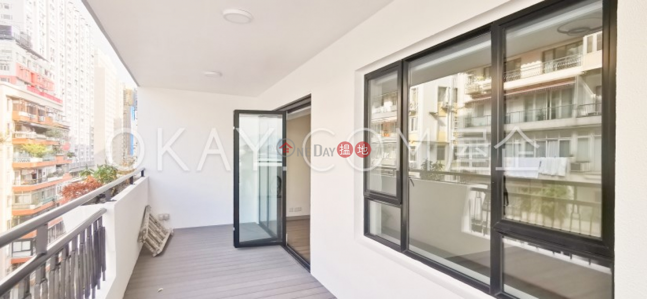 HK$ 55,000/ month | Haywood Mansion | Wan Chai District Gorgeous 3 bedroom with harbour views & balcony | Rental