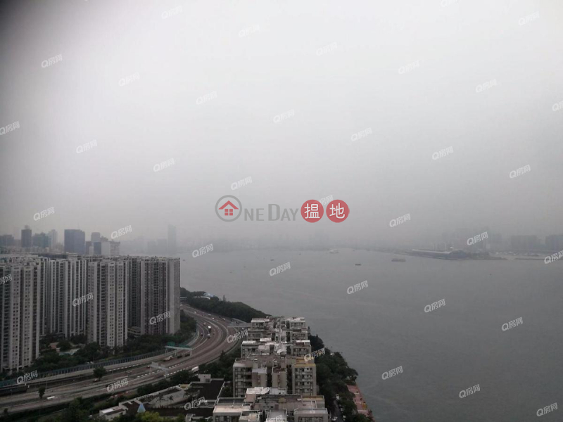 Property Search Hong Kong | OneDay | Residential Rental Listings | Tower 3 Grand Promenade | 3 bedroom Mid Floor Flat for Rent