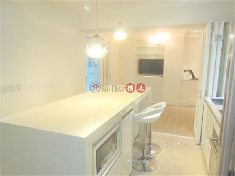 Property Search Hong Kong | OneDay | Residential, Sales Listings | Luxurious 2 bedroom on high floor with rooftop | For Sale