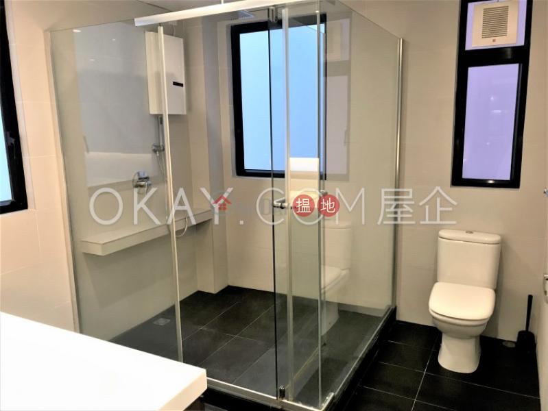 HK$ 17M | Tak Mansion | Western District, Tasteful 2 bedroom with balcony | For Sale