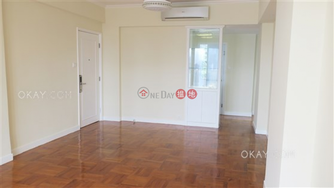 Rare 3 bedroom with balcony & parking | For Sale | Jardine\'s Lookout Garden Mansion Block A1-A4 渣甸山花園大廈A1-A4座 Sales Listings