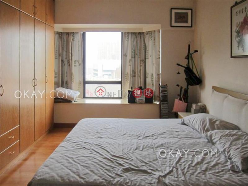 HK$ 62,000/ 月-瓊峰臺西區3房2廁,可養寵物,連車位,露台《瓊峰臺出租單位》