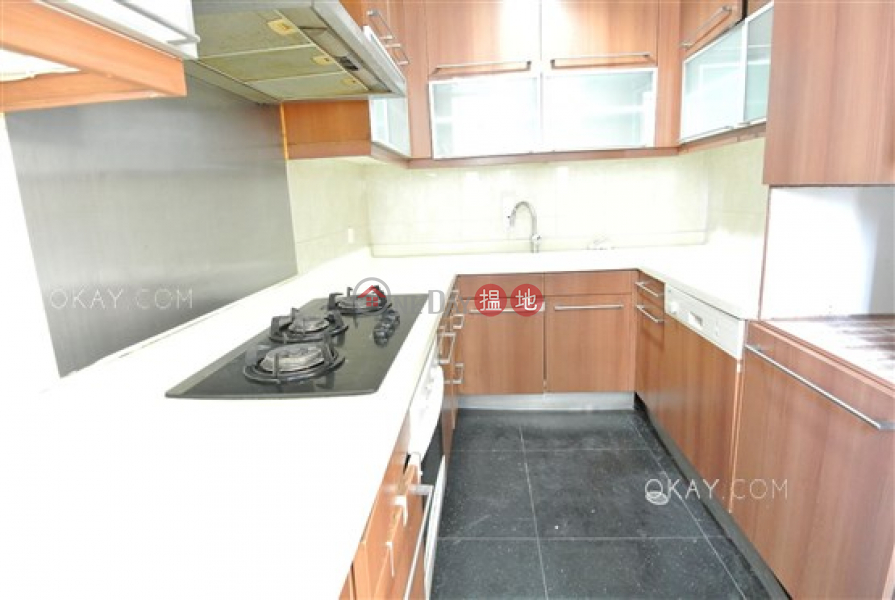 Gorgeous 3 bedroom with sea views & balcony | For Sale | Parc Palais Tower 8 君頤峰8座 Sales Listings