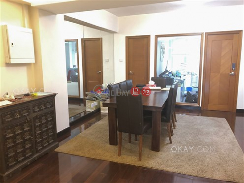HK$ 65,000/ 月-怡興大廈灣仔區-4房3廁,露台《怡興大廈出租單位》