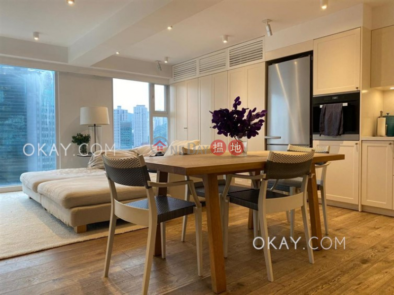 香港搵樓 租樓 二手盤 買樓  搵地   住宅 出售樓盤3房2廁,極高層,連車位,馬場景德信花園出售單位
