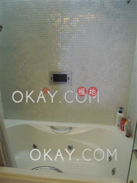 2房1廁,星級會所,露台《聚賢居出售單位》 聚賢居(Centrestage)出售樓盤 (OKAY-S77688)