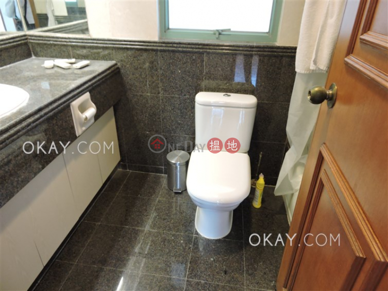 HK$ 39,000/ month Goldwin Heights Western District, Nicely kept 3 bedroom on high floor with sea views | Rental