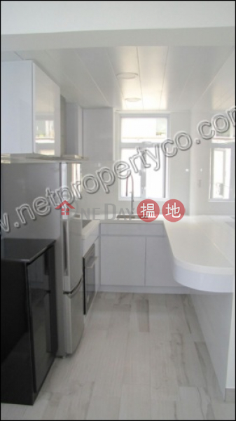 HK$ 23,900/ month, Hiap Teck Mansion, Wan Chai District, Apartment with Rooftop for Rent in Happy Valley