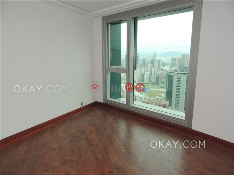 Unique 3 bedroom with harbour views & parking | Rental | The Summit 御峰 Rental Listings