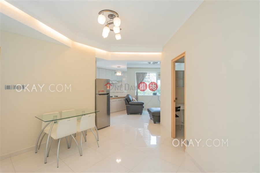 Popular 2 bedroom on high floor | Rental, Empire Court 蟾宮大廈 Rental Listings | Wan Chai District (OKAY-R384938)