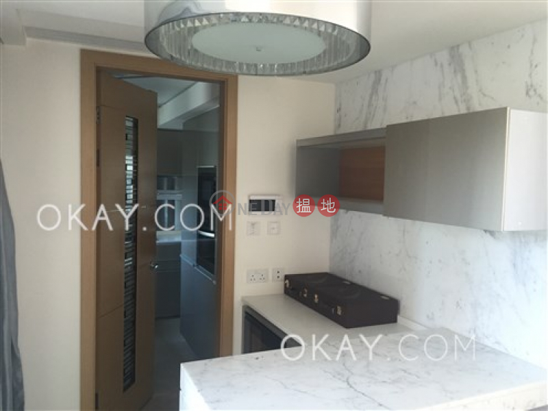Exquisite 2 bedroom with sea views, balcony   For Sale 8 Ap Lei Chau Praya Road   Southern District Hong Kong Sales HK$ 45M