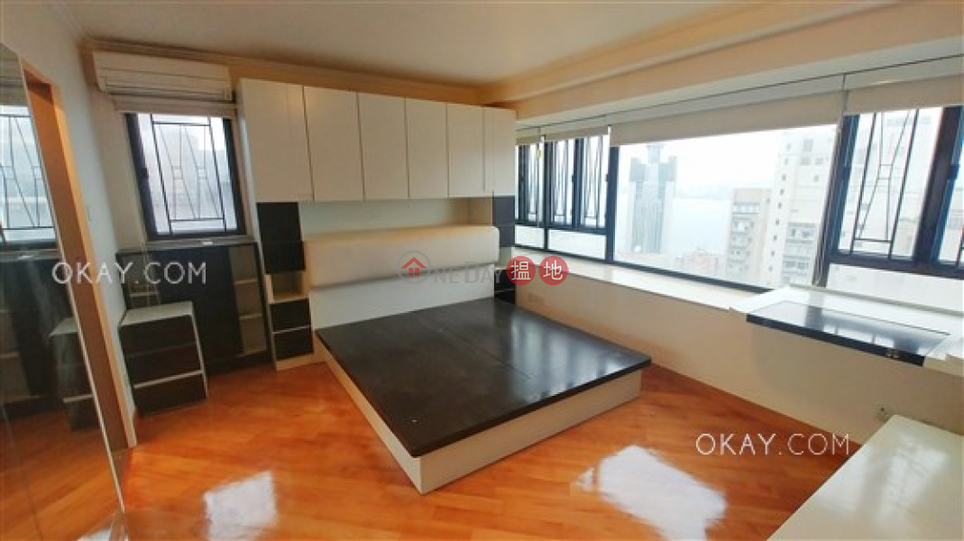 Property Search Hong Kong | OneDay | Residential Sales Listings | Lovely 3 bedroom on high floor with harbour views | For Sale