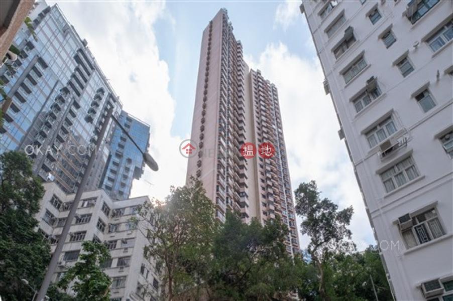 香港搵樓|租樓|二手盤|買樓| 搵地 | 住宅出租樓盤3房2廁,可養寵物,連車位,露台《瓊峰臺出租單位》
