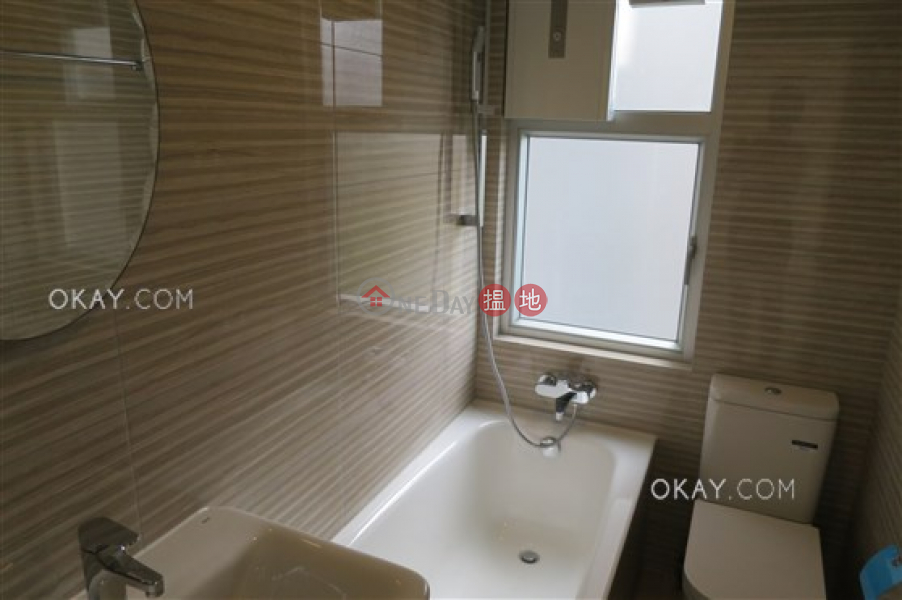 Rare 2 bedroom in Mid-levels West | For Sale | Fair Wind Manor 輝永大廈 Sales Listings