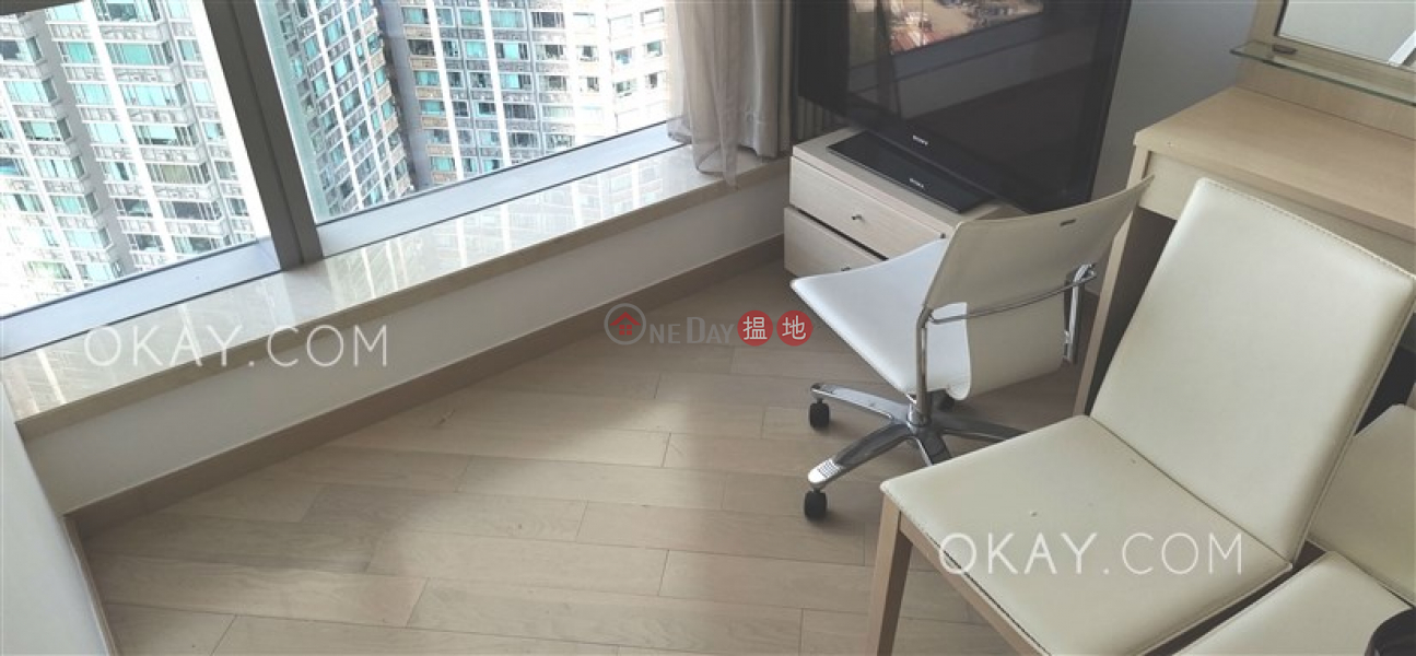 Gorgeous 3 bedroom with sea views & balcony | Rental | The Cullinan Tower 21 Zone 2 (Luna Sky) 天璽21座2區(月鑽) Rental Listings