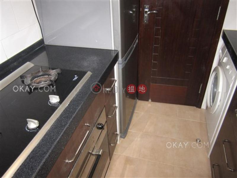 HK$ 32,000/ month Yu Fung Building, Wan Chai District Elegant 2 bedroom with racecourse views   Rental