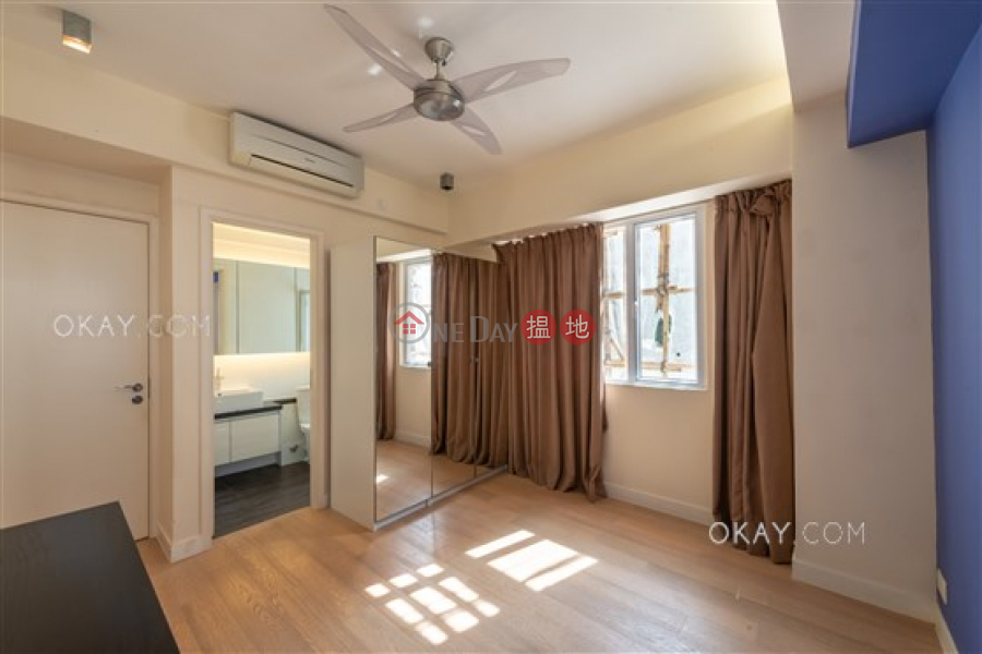 Nicely kept 3 bedroom with balcony & parking   Rental   Cambridge Gardens 金時大廈 Rental Listings
