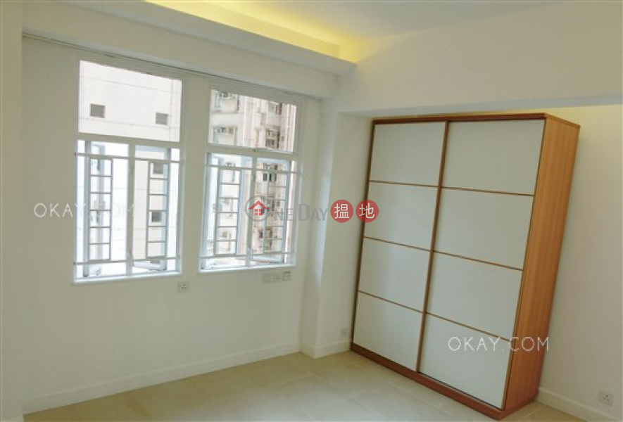 HK$ 32M | Holland Garden Wan Chai District, Stylish 3 bedroom on high floor with balcony & parking | For Sale