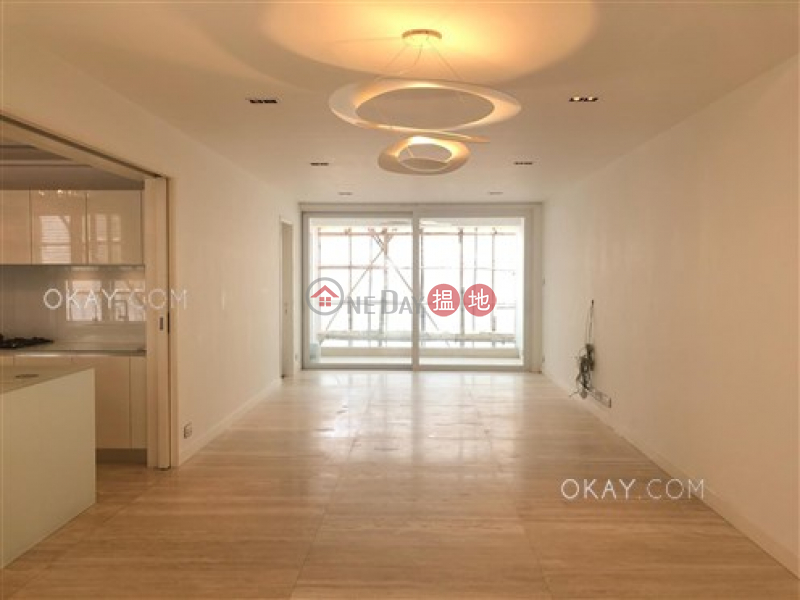 Unique 3 bedroom with balcony & parking | For Sale | 9 Broom Road 蟠龍道9號 Sales Listings