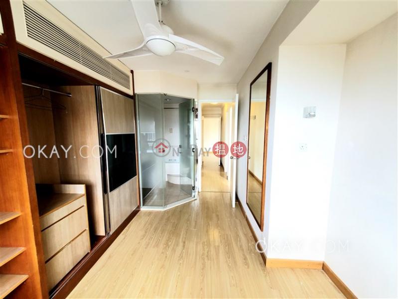 HK$ 26,000/ month, Discovery Bay, Phase 5 Greenvale Village, Greenburg Court (Block 2)   Lantau Island   Generous 3 bedroom with sea views & balcony   Rental