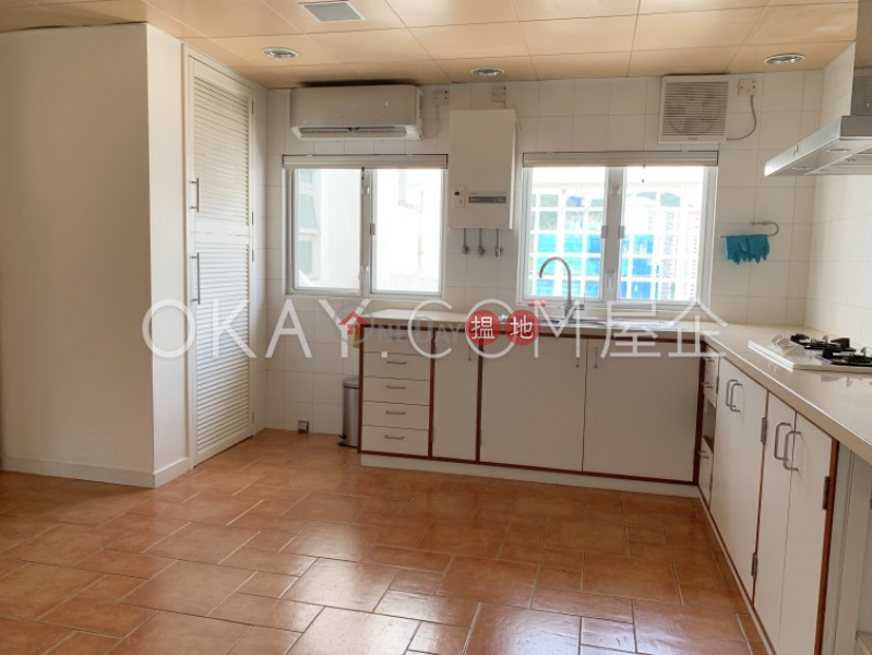 HK$ 50,000/ month | Realty Gardens | Western District, Nicely kept penthouse with balcony | Rental