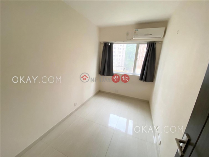Nicely kept 3 bedroom with balcony   Rental   Friendship Court 友誼大廈 Rental Listings