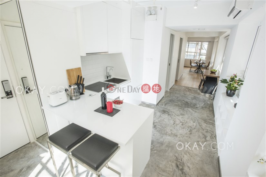 HK$ 10.8M | Yick Fung Building | Western District | Gorgeous 1 bedroom on high floor | For Sale