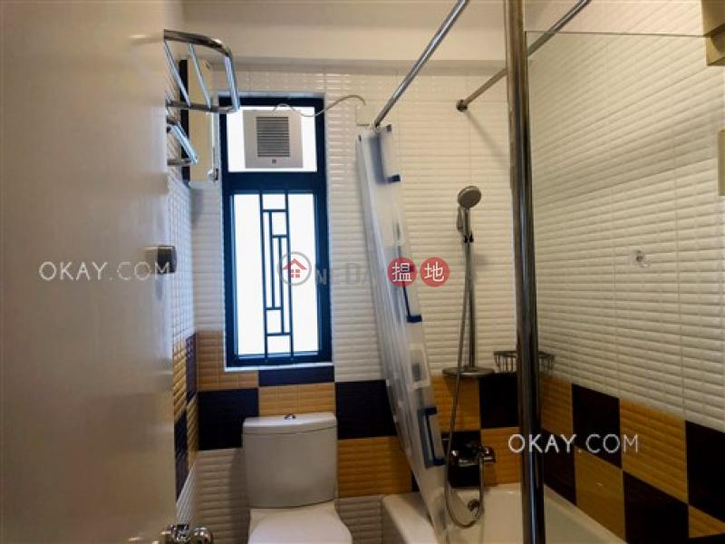 Lovely 3 bedroom on high floor with balcony & parking   Rental   Flora Garden Block 3 慧景園3座 Rental Listings