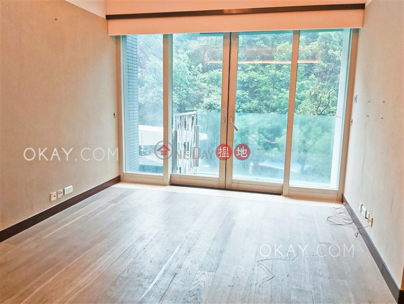 Rare 3 bedroom on high floor with balcony & parking | For Sale | The Legend Block 3-5 名門 3-5座 Sales Listings