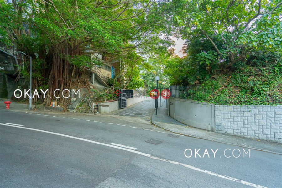 Exquisite 3 bedroom with parking | For Sale | Shouson Garden 壽山花園 Sales Listings
