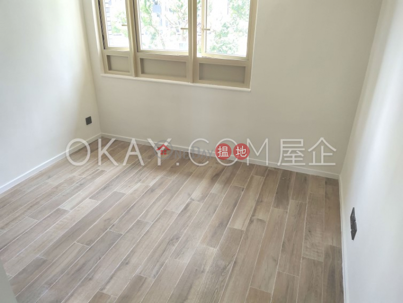 HK$ 85,000/ month, St. Joan Court, Central District, Stylish 3 bedroom with balcony | Rental