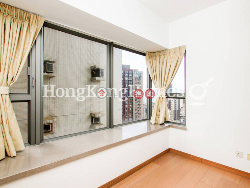 3 Bedroom Family Unit at Centre Point | For Sale | 72 Staunton Street | Central District | Hong Kong, Sales | HK$ 25M