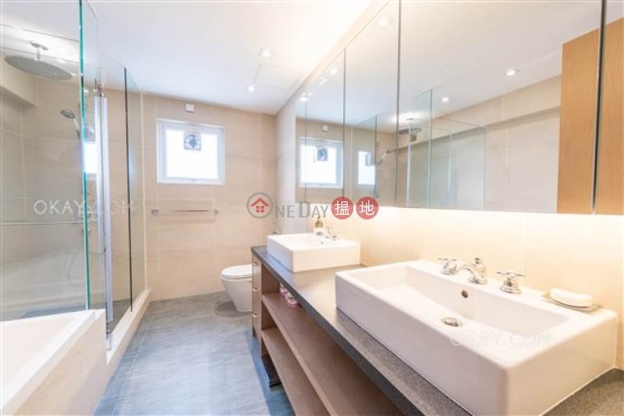 Efficient 3 bedroom with balcony & parking | For Sale | 20-34 Coombe Road | Central District, Hong Kong Sales HK$ 120M