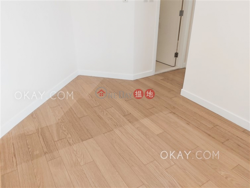 HK$ 38,000/ month, Sorrento Phase 1 Block 3 | Yau Tsim Mong | Stylish 3 bedroom in Kowloon Station | Rental
